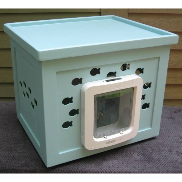 Outdoor Cat Shelter With Cat Flap